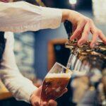 Come spillare una birra: i diversi tipi di spillatura e come riconoscere una birra perfetta