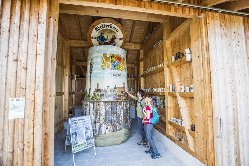 il più grande bicchiere di birra del mondo